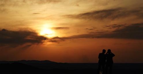 壮美!大漠落日映阳关