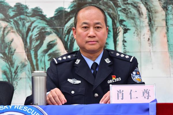 """邓州市公安局""""五讲六进""""法制教育宣讲团走进城区三初中"""