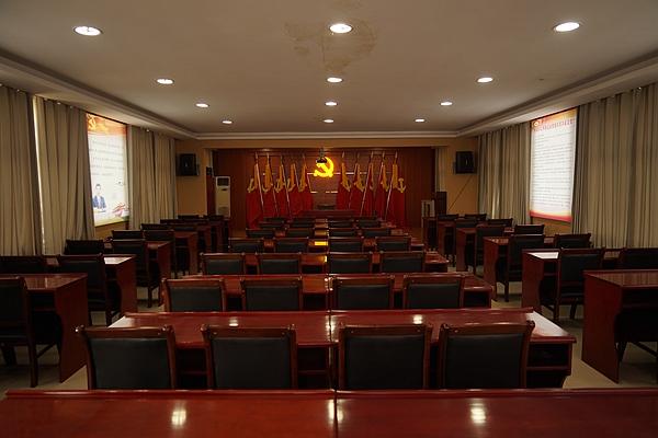 """西平:坚持探索四项机制 推进""""两新""""党建工作"""