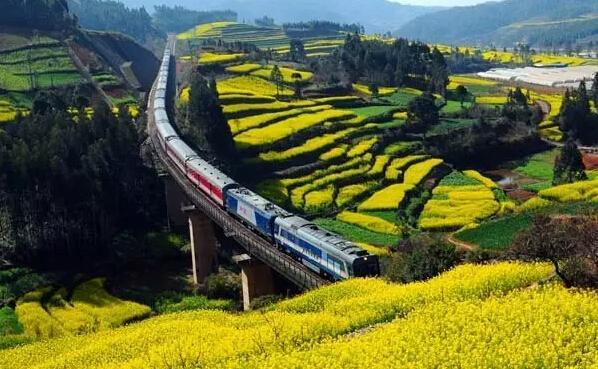 清明小长假全国铁路发送旅客5400万人次 动车组发送旅客占65.1%