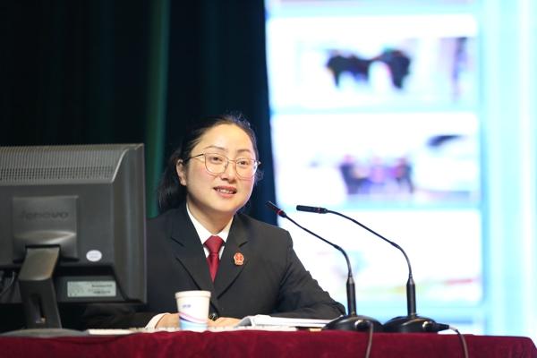 邓州法院院长杨俊华受聘担任南阳幼师法制校长