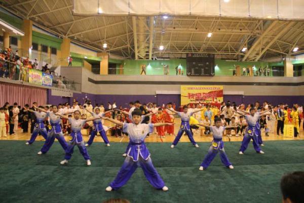 金水区黄河路第一小学参加香港国际武术节载誉而归