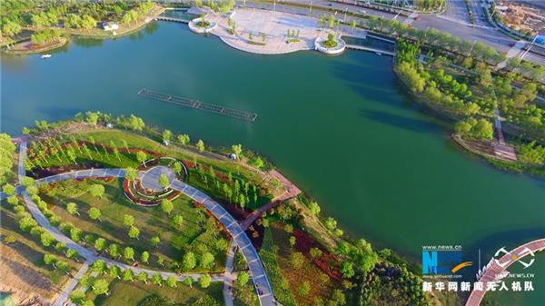 航拍河南许昌:芙蓉湖水绿又蓝