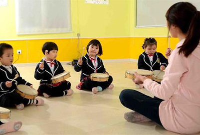 拓宽幼师成长空间 让幼教成为富有吸引力的职业