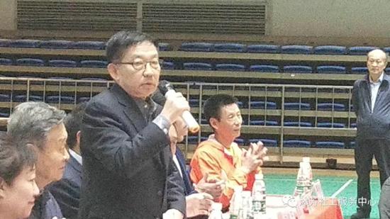 郑大沐芳杯社区老人公益乒乓球赛隆重举行