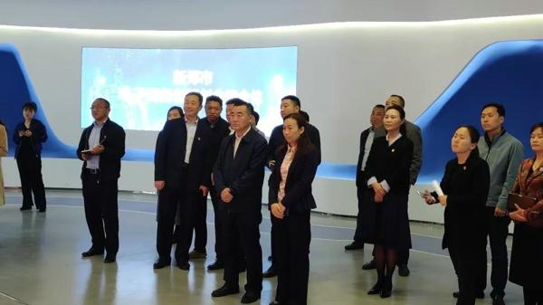 郑州市委常委、统战部部长杨福平考察调研新郑市全镇域新的社会阶层人士统战工作实践创新基地建设