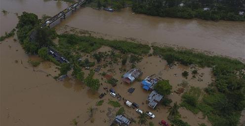 印尼西部洪水成灾 至少12人死亡