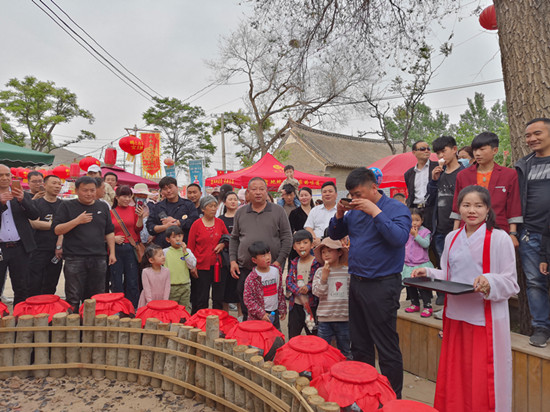 山村新商机!河南郏县茨芭镇山头赵村成游客假期乐园