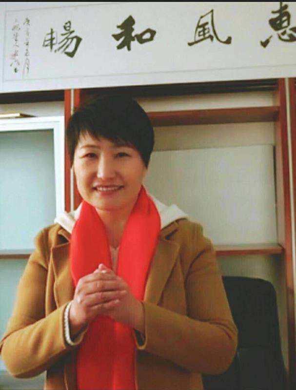 美女朱小米:做集成墙板诚信是舟