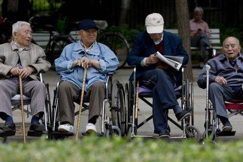 我国60岁以上老人达2.49亿 占比17.9%